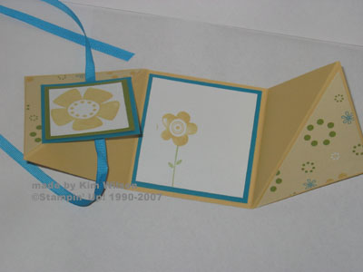big-blooms-triangle-card-inside.jpg